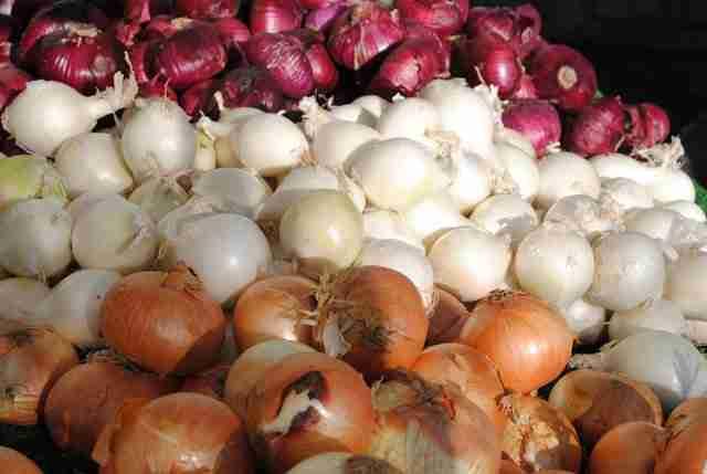 57512750 - افزایش قیمت پیاز، نتیجه ناهماهنگی ستاد تنظیم بازار با وزارت کشاورزی