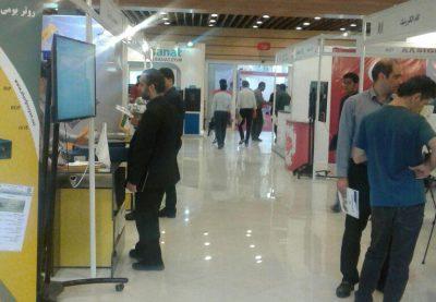 نمایشگاه شرکت های دانش بنیان 8 400x277 - گزارش تصویری از نمایشگاه شرکت های دانش بنیان