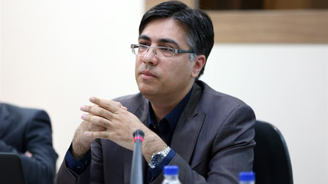 Img20160829122145357 - موافقت معاون وزیر اقتصاد با تسهیل دریافت مجوز تاسیس داروخانه