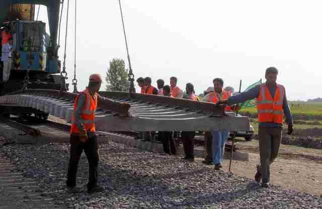 چابهار سرخس راه آهن پروژه عمرانی اقتصاد مقاومتی - هموارسازی مسیر برای تکمیل راه آهن چابهار - سرخس با منابع مردمی