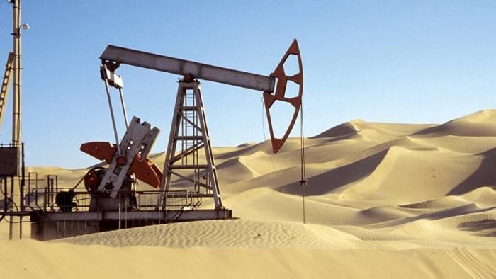 تمدید توافق کاهش تولید نفت - میانگین پیشرفت 5 طرح پتروشیمی در 10 سال کمتر از 5 درصد!