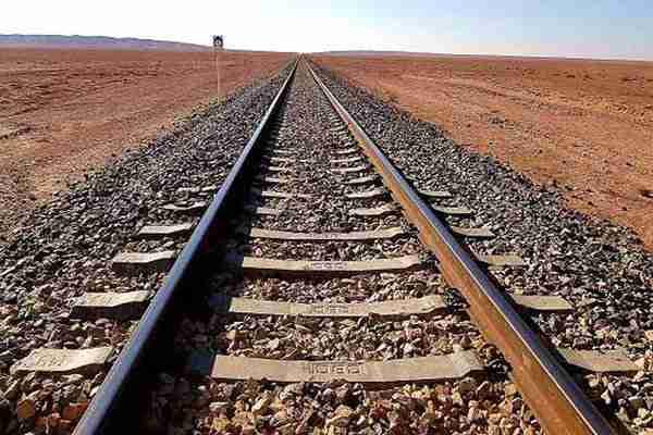تولید ریل ملی اقتصاد مقاومتی - چالش تولید ریل ملی با اظهارات متناقض مسئولین راهآهن و ذوبآهن