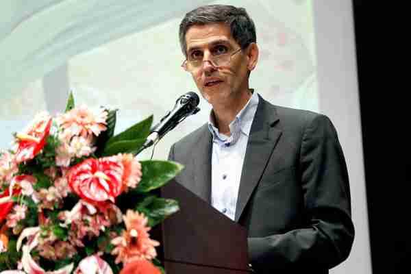 مدیرعامل راه آهن محمدزاده اقتصاد مقاومتی - تولید ریل ملی و واگذاری پروژه ها در قالب BOT نیازمند طراحی مدل مالی مناسب