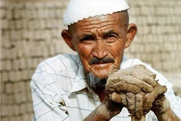 کارگر افغانستانی اقتصاد مقاومتی - آیا اتباع افغانستانی رقیب جوانان ایرانی در بازار کار هستند؟