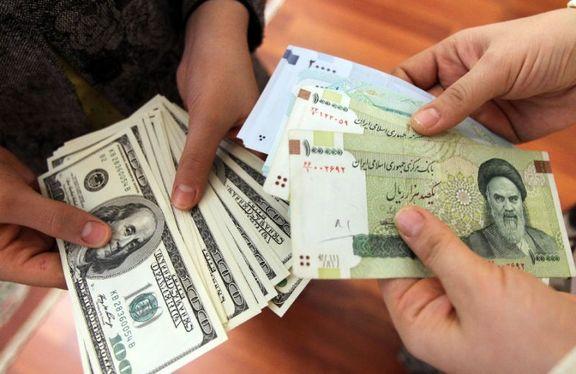 بازار ارز - مقابله با «سوداگری ارزی» نیازمند راهاندازی بورس و دریافت مالیات