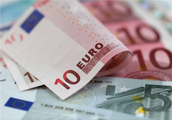 یورو جایگزین دلار نیست اقتصاد مقاومتی - جایگزین کردن یورو با دلار مشکلات ارزی کشور را حل میکند؟