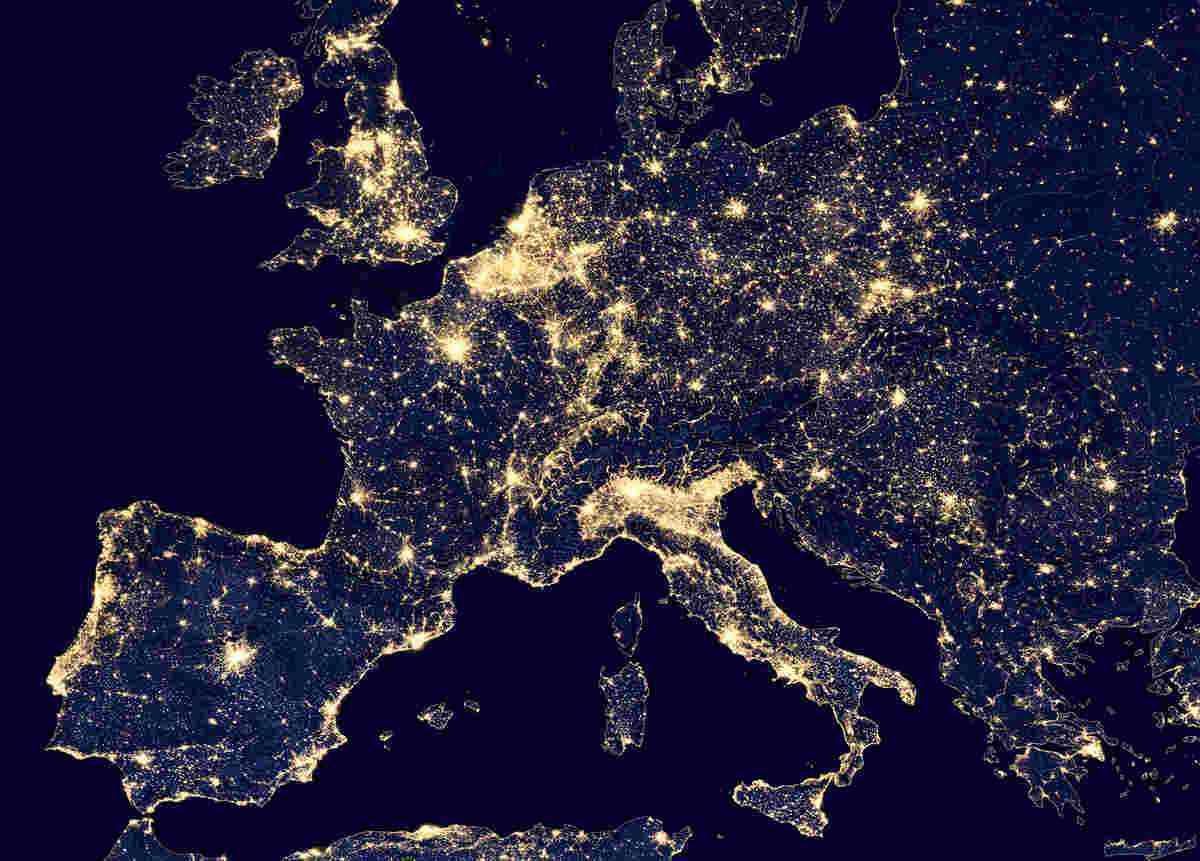 Europe Night - «تعرفهگذاری پویا» راهکار کشورهای اروپایی در کاهش اوج مصرف برق