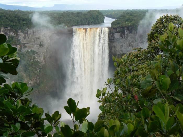 wildernessexplorers kaieteur guyana 103 - زیرساخت های طبیعی بهترین ابزار در مدیریت منابع آبی