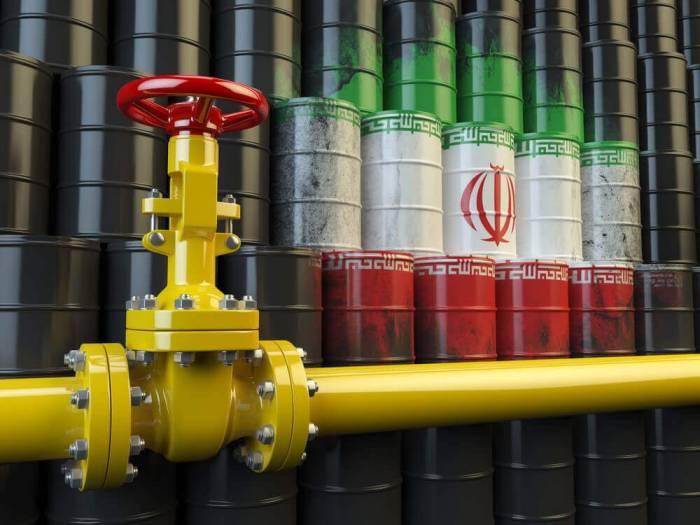 تحریم فروش نفت ایران - بلومبرگ: کاهش قابل توجه فروش نفت ایران با شروع تحریمهای آمریکا