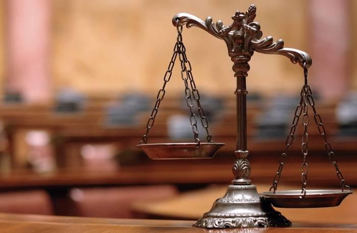الزام استفاده از وکیل در دادگاهها