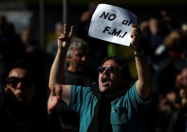 انباشت بدهی؛ ثمره آزاد سازی سرمایه در آرژانتین