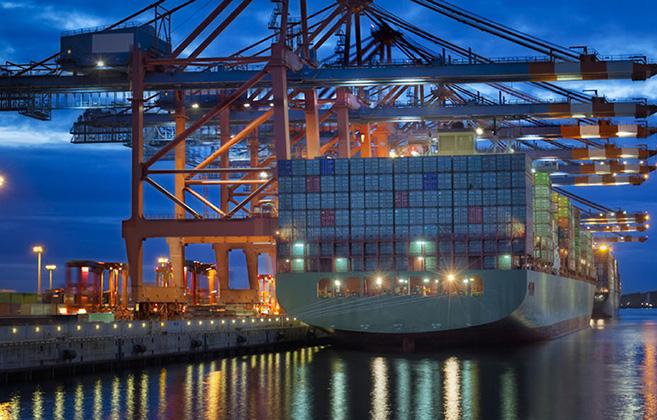 تعدد صدور بخشنامه های تجاری مانع توسعه تجارت خارجی