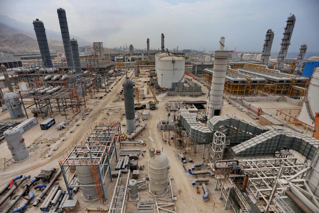 رویکرد خام فروشی وزارت نفت در رابطه با سوختهای مایع